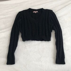 Sweaters - Black V-Neck Cropped Sweater